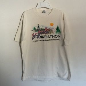 Vintage 80s Style Graphic Tshirt